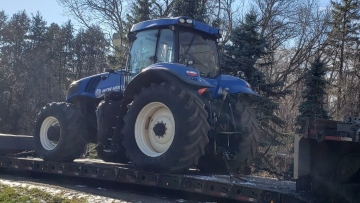 Transporting a new holland tractor