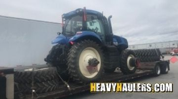 New Holland tractor transport