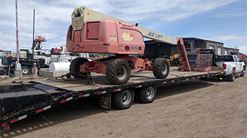 Shipping a JLG 460SJ boom lift with a hotshot trailer