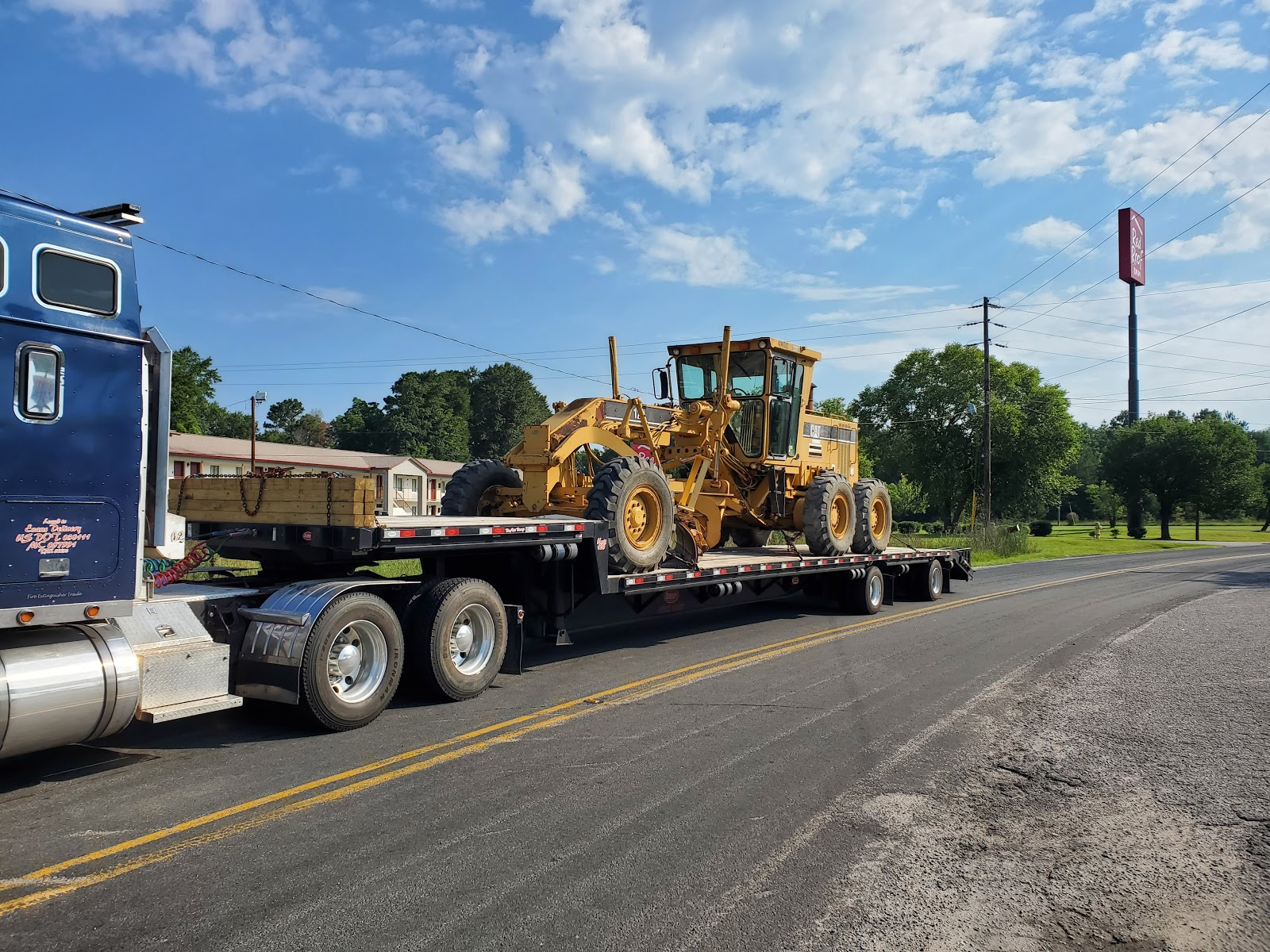 Shipping a motor grader in Louisiana