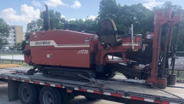 Transporting a Ditch Witch directional drill