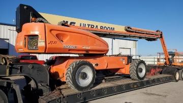 Transporting a JLG boom lift