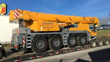 Transporting a Liebhermobile crane