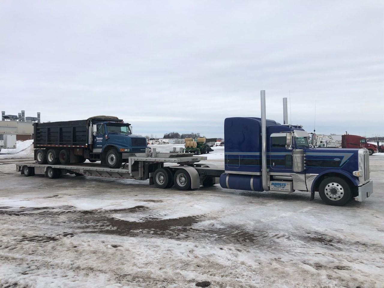 Transporting a tri axle dump in Minnesota