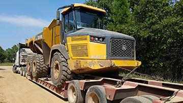 John Deere 260E Articulated Dump Truck In Transport