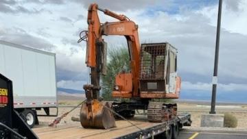 Hitachi excavaator transport