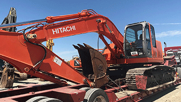 Transporting a Hitachi Zx225 Excavator