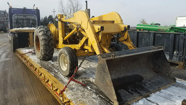 John Deere JD 400 Backhoe Transport