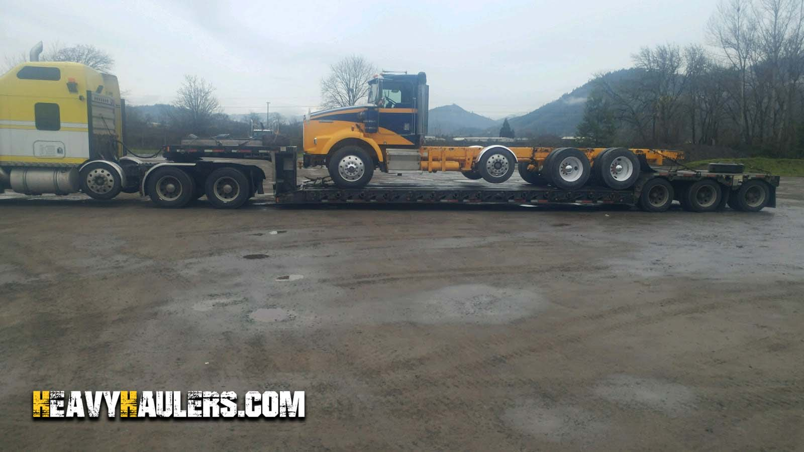 Kenworth T800 day cab being shipped