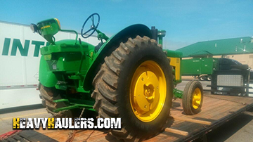 Transporting a 1958 John Deere 830 tractor using hotshot trailer