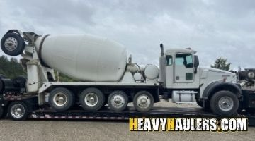 Kenworth mixer truck transport