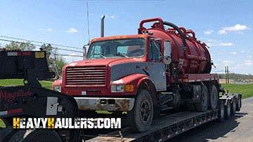 Transport Mack Granite water tank truck