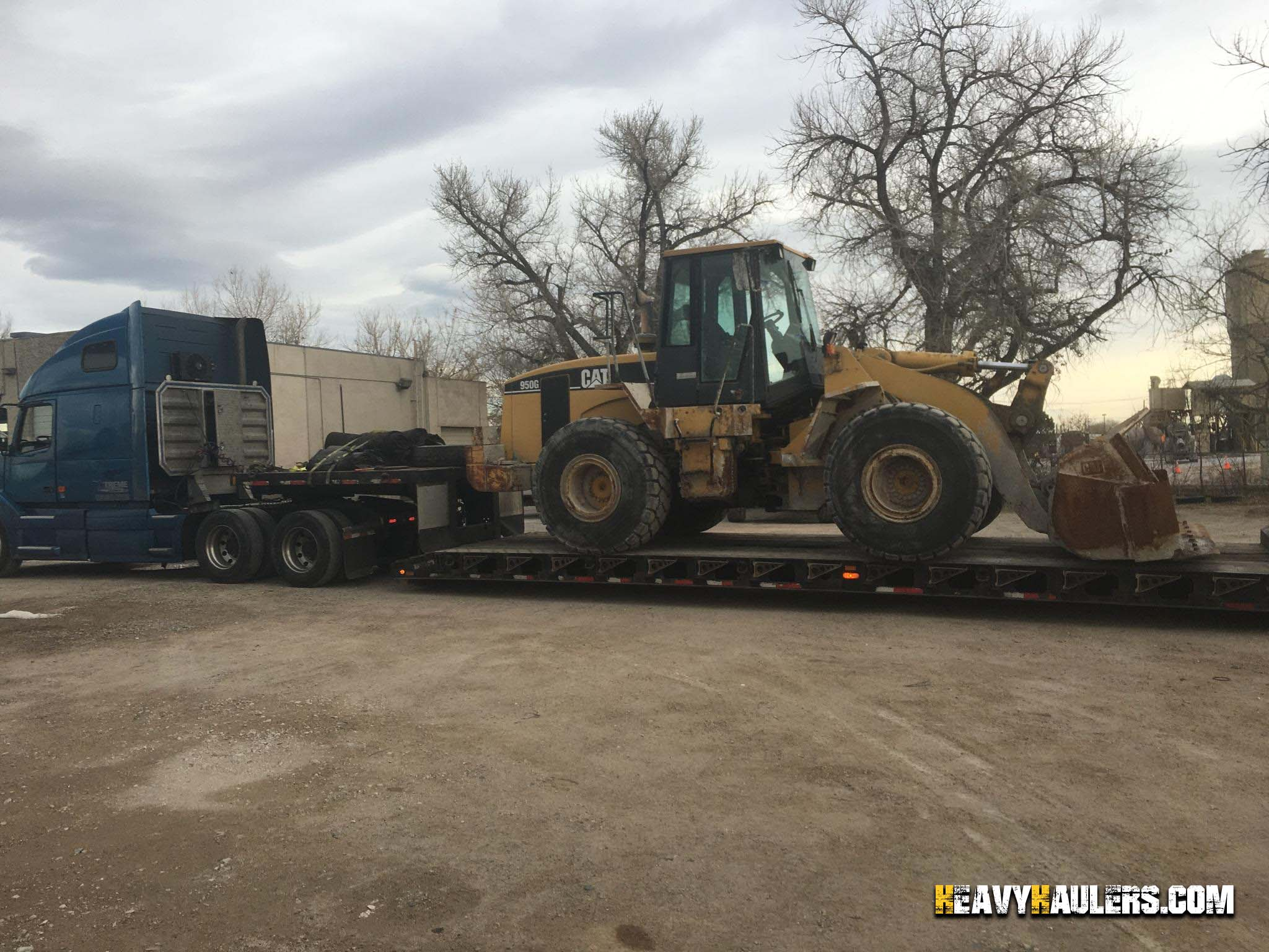 CAT 950G Wheel Loader Hauling
